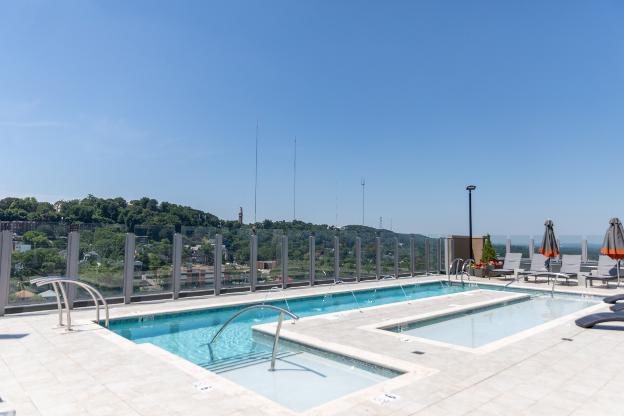 3 things we love about Cortland Vesta, including the new rooftop pool 🤩