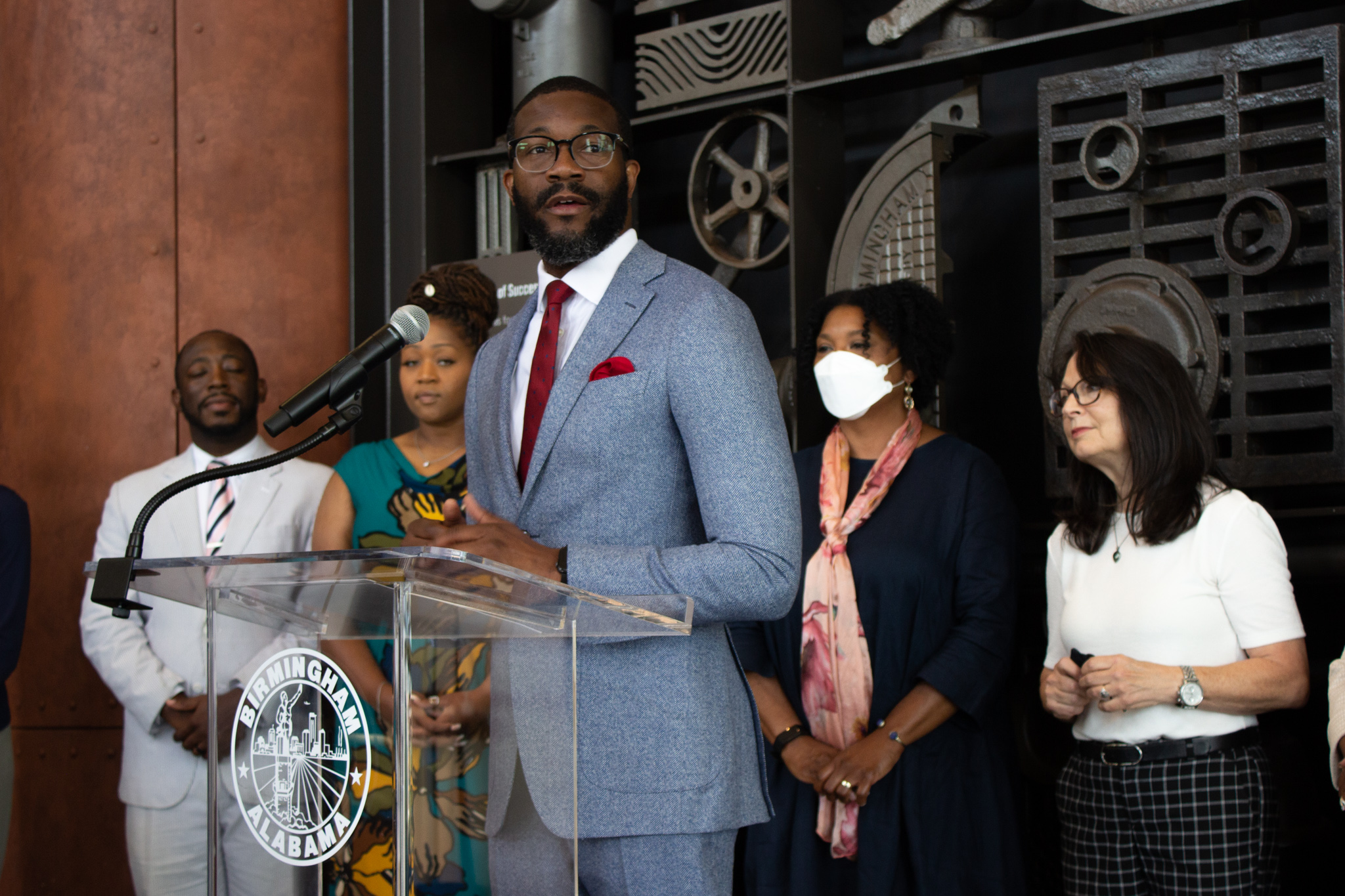 New Birmingham initiative guarantees monthly income for mothers